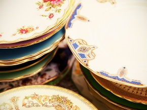 "8"" vintage plates for events"